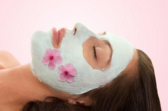 masker untuk memutihkan wajah